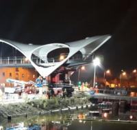 Gateway footbridge installed in Hull image