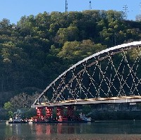 Wellsburg Bridge installed after 1.6km barge ride image