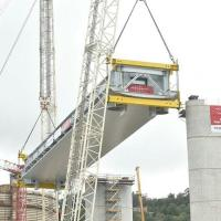 First span installed for new Genoa bridge logo