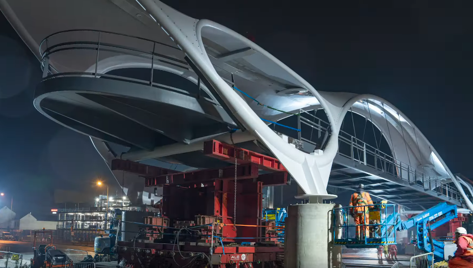 Time-lapse of Princes Quay bridge installation logo
